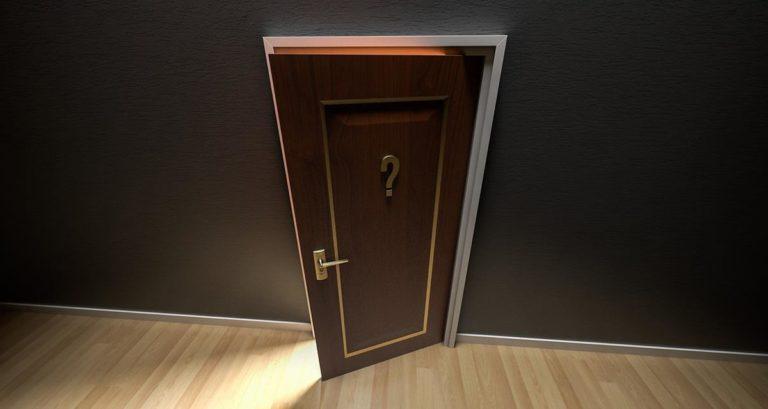 Czy warto kupować drzwi drewniane?