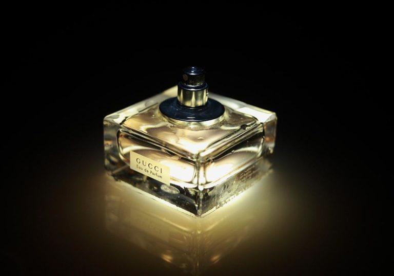 W jakich miejscach warto kupować perfumy męskie?