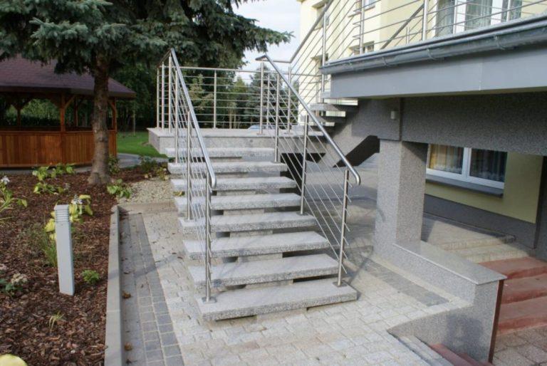 Jaki materiał jest najlepszy do zaprojektowania schodów?